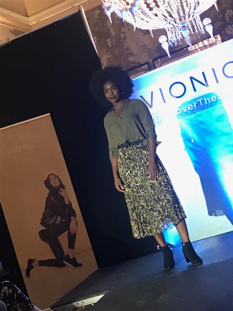 fashion show vionic shoes #discoverthesecret